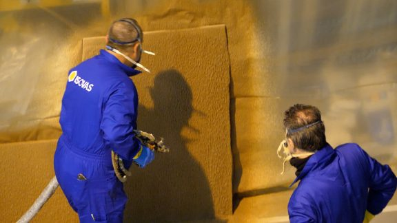 ISOLEGUR ikerketa proiektua aurrera egiten ari da egurra lehengai gisa erabilita eraikuntzarako apar isolatzaileak sortzeko helburuan
